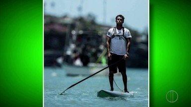 Atleta de Búzios, RJ, vibra no Hawaí com Stand Up Paddle - Assista a seguir.