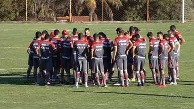 Vila recebe o Náutico; Goiás visita o Inter - Equipes goiana jogam nesta terça-feira (1º) pela Série B.