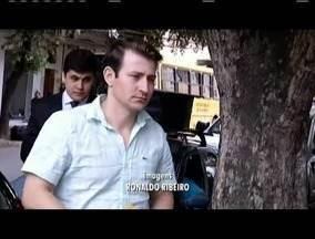 Empresário foragido há quatro meses se apresenta à Polícia Federal em Valadares - Carlos Hélder Lázaro teve prisão decretada pela Mar de Lama.