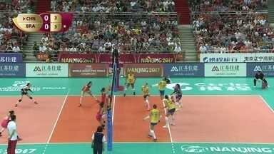 1º Set - Brasil passa a frente com bola do fundo do meio : 3 a 4 - 1º Set - Brasil passa a frente com bola do fundo do meio : 3 a 4