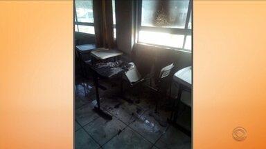 Sala de aula de escola em Biguaçu pega fogo - Sala de aula de escola de Biguaçu pega fogo