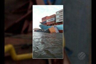 Em Óbidos, navio colide com um comboio de balsas no rio amazonas - O acidente foi por volta das quatro e meia da manhã de hoje, 02.
