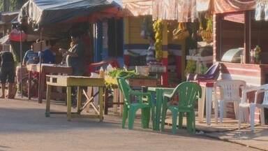 Ambulantes não cadastrados são retirados de área em frente à 'Feira Maluca' - A ação causou confusão e a polícia foi acionada para acalmar os ânimos. Feira na Zona Sul da capital está passando por reformas.