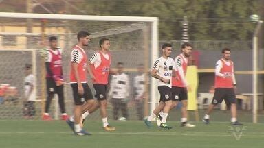 Santos e Flamengo se enfrentam no Pacaembu - Jogo ocorre pelo Campeonato Brasileiro.