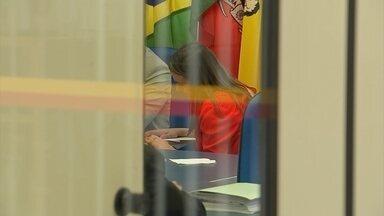 Comissão Processante da Câmara de Sorocaba convoca testemunhas da confusão no Executivo - A Comissão Processante da Câmara de Sorocaba (SP), que investiga se o prefeito José Crespo cometeu crime contra a administração pública, ouviu nesta quarta-feira (2) uma sequência de depoimentos. As testemunhas foram convocadas para falar sobre a confusão entre Crespo e a vice por causa do diploma da ex-assessora.
