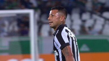 Veja os lances de Leo Valencia na estreia pelo Botafogo - Chileno entrou no segundo tempo na derrota do Alvinegro para o Palmeiras pelo Campeonato Brasileiro.