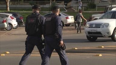 A partir da próxima semana, mais 145 viaturas vão reforçar as rondas da polícia - O detalhe é que com menor número de policiais nos carros.