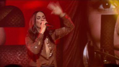 Ivete Sangalo canta 'Tempo de Alegria' no Fantástico - É a primeira vez que a cantora baiana pisa no palco do Show da Vida.