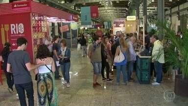 Evento gastronômico movimenta o Píer Mauá - O primeiro fim de semana da 7ª edição do Rio Gastronomia atraiu uma multidão para a Zona Portuária do Rio. Mais de 50 bares, restaurantes e food trucks serviram várias delícias.
