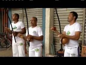 Encontro em Governador Valadares comemora o dia do capoeirista - Na programação teve palestras, apresentações culturais e, claro, a roda de capoeira