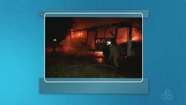 Ônibus são queimados em ataques no Acre - Casos foram registrados em cidades no sábado e domingo.