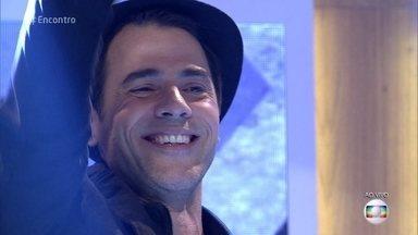 Claudio Lins comenta repertório brasileiro no 'PopStar' - Ator comemora sucesso de sua participação no reality e se apresenta no palco do 'Encontro'