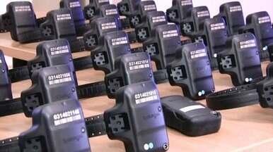 Amapá é um dos três estados do país que ainda não utilizam tornozeleiras eletrônicas - O Tribunal de Justiça do Amapá (Tjap) explicou que sem o equipamento não pode fiscalizar se as penas estão sendo cumpridas corretamente. No estado, 1,7 mil presos estão aptos para usar o equipamento.