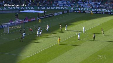 Alecsandro desencanta e Coritiba bate Chapecoense - Coxa vence segunda partida seguida e ganha fôlego no Brasileirão