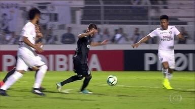 Fluminense empata com a Ponte Preta e termina o primeiro turno na 9ª posição - Partida terminou em 0 a 0, e foi marcada por homenagens ao técnico Abel Braga.