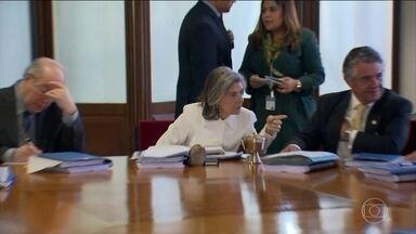 Governo decide rever a meta fiscal para este ano - Déficit previsto era de R$139 bilhões. Conselho Superior do Minstério Público Federal cancelou o aumento salarial de 16% previsto para os procuradores.