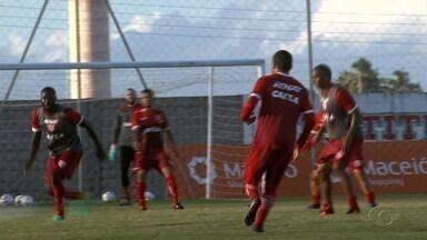 CRB tem dúvidas no ataque para o jogo contra o Ceará - Galo enfrenta o Vozão neste sábado (12).