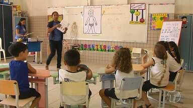 Exercícios didáticos ajudam da educação infantil - Os exercícios didáticos na educação infantil estão cada vez mais presentes em sala de aula, pois facilita o aprendizado de crianças de quatro e cinco anos, fase em que elas aprendem com mais facilidade.