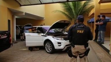 Operação da PF em Goiás prende 31 pessoas suspeitas de roubos de cargas - Comerciantes do estado são investigados por encomendar mercadorias roubadas.