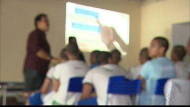 Bom Dia Paraíba foi ao Lar do Garoto conversar com internos sobre denúncias de maus tratos - Mãe denunciou que jovens estão apanhando de agentes que atuam no local.