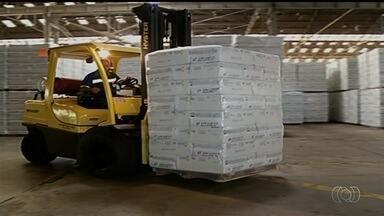STF suspende julgamento sobre proibição do uso do amianto no Brasil - Maior jazida do minério dica em Goiás, na cidade de Minaçu, e é responsável por 80% da economia da cidade.