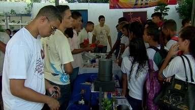 Escola do Recife reúne tecnologias criadas por estudantes - Alunos criam soluções para problemas cotidianos.
