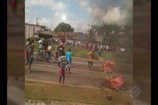 Moradores do Riacho doce interditaram trânsito na Br-316, na altura do km-16 - O trânsito ficou lento no local