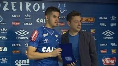 Meia argentino Messidoro é apresentado como novo reforço do Cruzeiro - Meia argentino Messidoro é apresentado como novo reforço do Cruzeiro