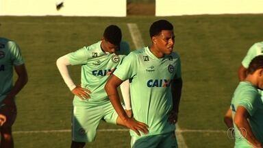 Goiás terá várias mudanças para enfrentar o Figueirense - Técnico Argel Fucks promove sete alterações para duelo deste sábado. Atacante Nathan é apresentado e fica no banco.