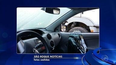 Motorista da Uber é encontrado morto a tiros dentro de carro em São Roque - Um motorista da Uber foi encontrado morto a tiros na noite de quinta-feira (10) na estrada Taxaquara, no bairro João Novo, na Zona Rural de São Roque (SP).
