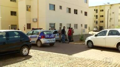Jovem é morto por criminosos dentro de condomínio residencial em Palmas - Jovem é morto por criminosos dentro de condomínio residencial em Palmas