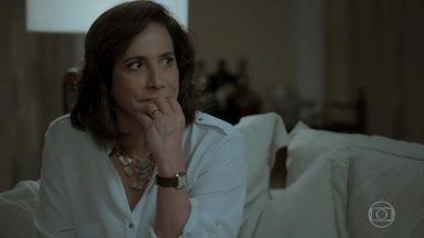 Heleninha fica indignada ao saber do beijo de Caio e Bibi - Junqueira conta o que viu para a esposa