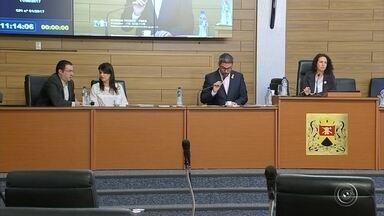 CPI do diploma entrega relatório sobre Crespo ao Ministério Público - A Comissão Parlamentar de Inquérito (CPI) que apura o possível crime de prevaricação praticado pelo Prefeito de Sorocaba (SP), José Crespo (DEM), entregou seu relatório final nesta sexta-feira (11).