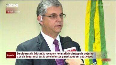Governo do Estado do Rio de Janeiro irá pagar todos os servidores públicos - O secretário estadual de fazenda, Gustavo Barbosa, afirma no Globo News. Assista a seguir.
