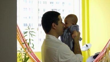 Chegada de bebê causa revolução no cérebro dos homens, dizem estudos - No Dia dos Pais, entenda o que o nascimento de um filho faz no cérebro de um homem.
