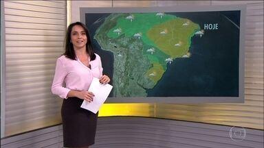 Veja a previsão do tempo para esta segunda-feira (14) em todo o Brasil - Voltou a chover em Mato Grosso depois de três meses. E tem mais previsão de chuva para Mato Grosso, Mato Grosso do Sul, Paraná e interior de São Paulo.