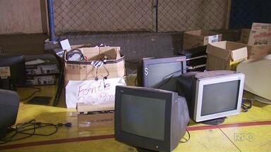 Colégio estadual de Maringá coleta aparelhos eletrônicos usados - Os materiais serão usados pelos alunos do curso de informática da escola.