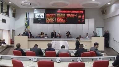 Deputados revogam implantação do auxílio alimentação de R$ 6 mil em Rondônia - O presidente da Assembleia Legislativa de Rondônia admite ter cedido, depois da pressão popular sobre o valor de R$ 6 mil do auxílio alimentação. Na tarde desta sexta-feira a medida foi revogada pelos deputados estaduais.