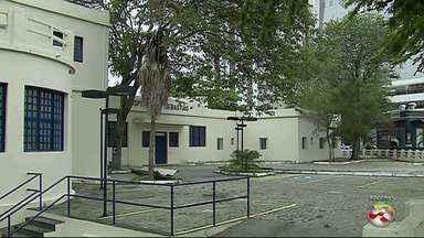 Prefeitura de Caruaru e Governo de PE discutem futuro do Hospital São Sebastião - Unidade está fechada desde 2004.