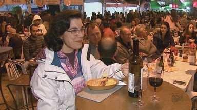 6ª edição do Brotas Gourmet mescla pratos, bebidas especiais e shows - O festival de gastronomia termina neste sábado (19), às 23h e a entrada é gratuita.