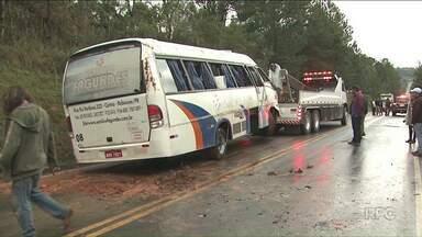 Time do Iraty Sport Clube sofre acidente na BR-153 - O ônibus tombou e os integrantes da delegação sofreram ferimentos leves.