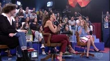 Carol Duarte revela que um de seus objetivos era conhecer Ivete Sangalo - A cantora fala sobre a reação da atriz ao encontrá-la nos bastidores do programa