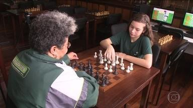 Conheça a história de determinação de Gabi, brasileira que disputa mundial de xadrez - Conheça a história de determinação de Gabi, brasileira que disputa mundial de xadrez