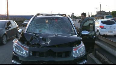 Homem morre atropelado ao tentar atravessar BR-230 em João Pessoa - Vítima foi atingida por carro nas imediações do viaduto de Oitizeiro, a cerca de 150 metros de uma passarela.