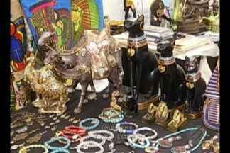 Feira do Artesanato Mundial recebe centenas de visitantes, em Belém - A feira conta com aproximadamente 200 expositores de mais de 20 países, além de artesãos de norte a sul do Brasil. Feira segue aberta até o próximo domingo, 27.