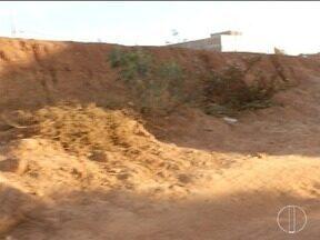 Calendário: Moradores cobram obra do Cemei no Bairro Jaraguá II - Prazo para limpeza do terreno encerrou nesta segunda.
