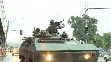 Forças Armadas, Polícia Federal, Civil e Militar fazem grande operação em favelas do RJ - Entre os 18 presos, está um soldado do exército suspeito de vazar informações sobre operações.