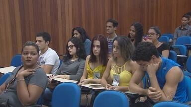 Evasão nas universidades foi discutida entre estudantes da Ueap - Para os universitários, eles querem uma melhor política assistencial na instituição, inclusive com uma creche para os filhos dos estudantes.
