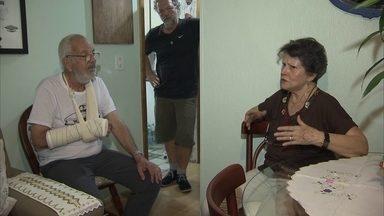 Idoso de 81 anos é espancado no Cruzeiro Novo - Câmeras registram agressão a idoso de 81 anos no Cruzeiro Novo. Polícia investiga o casol.