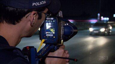 Mais de 126 mil multas por excesso de velocidade foram registradas por radares móveis - O número foi registrado nos primeiros seis meses deste ano.